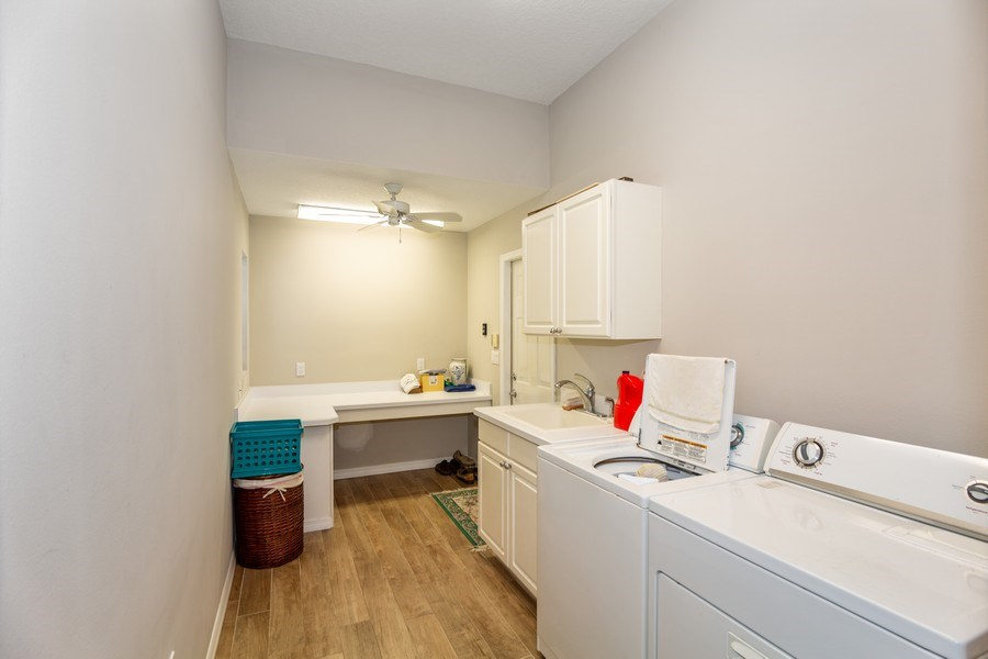 Real Estate Photography - 5407 Burnt Hickory Dr, Valrico, FL, 33596 - Laundry Room