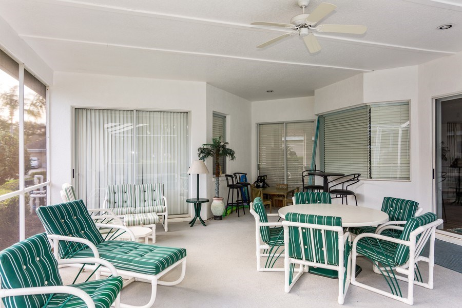 Real Estate Photography - 5407 Burnt Hickory Dr, Valrico, FL, 33596 - Patio