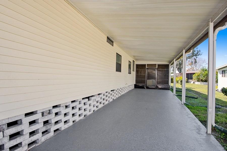 Real Estate Photography - 397 Blue Marlin Dr, Oldsmar, FL, 34677 - Garage