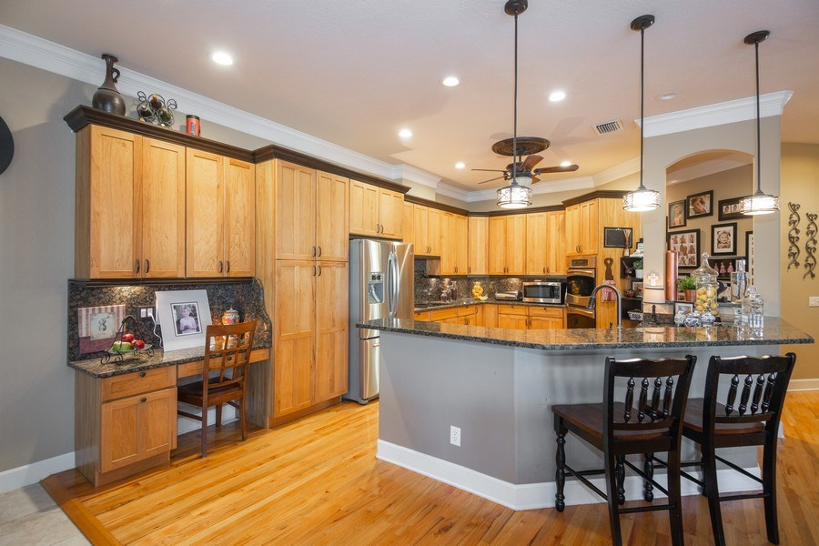 Real Estate Photography - 5201 Sand Trap, Valrico, FL, 33527 - Kitchen