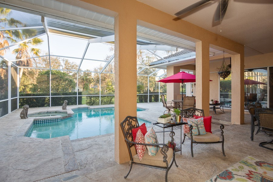 Real Estate Photography - 5201 Sand Trap, Valrico, FL, 33527 - Deck