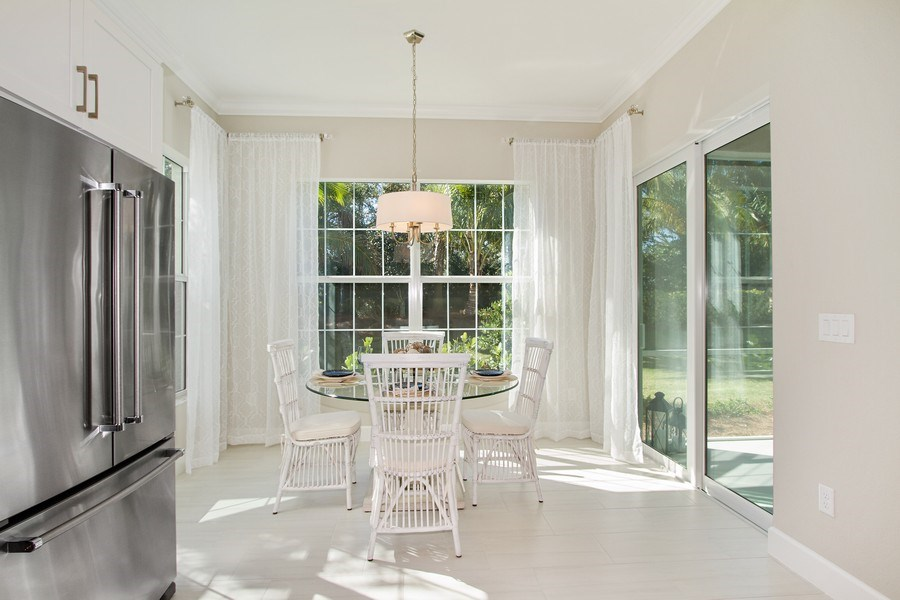 Real Estate Photography - 8031 Signature Club Cir, Unit 16101, Naples, FL, 34113 - Breakfast Area