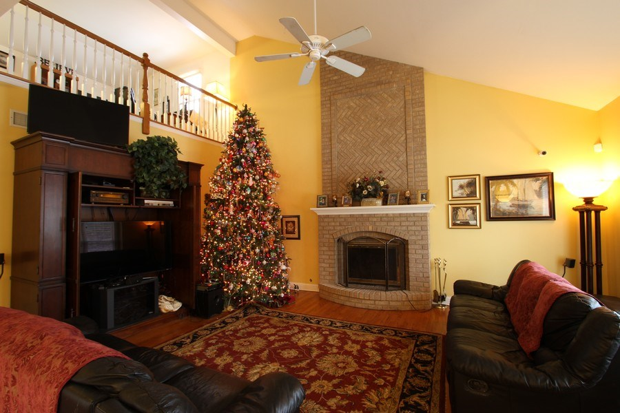 Real Estate Photography - 3402 Braeberry, Crystal Lake, IL, 60012 - Family Room