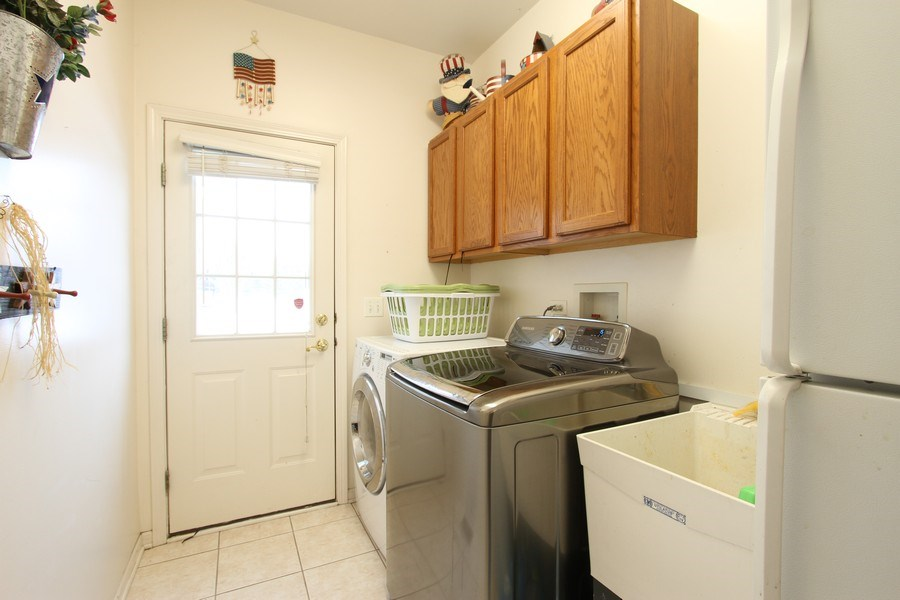 Real Estate Photography - 3402 Braeberry, Crystal Lake, IL, 60012 - Laundry Room