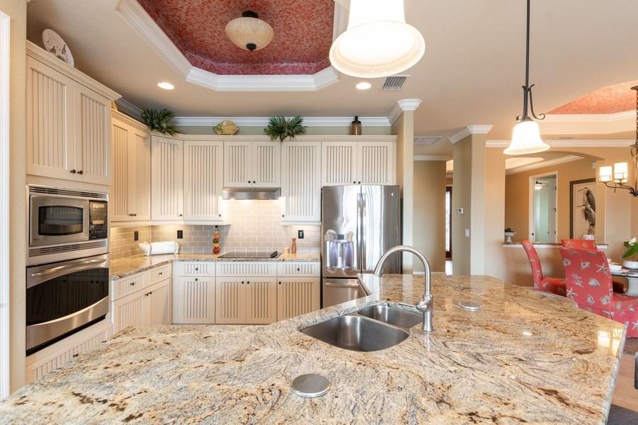Real Estate Photography - 12538 Fenhurst Way, Naples, FL, 34120 - Kitchen