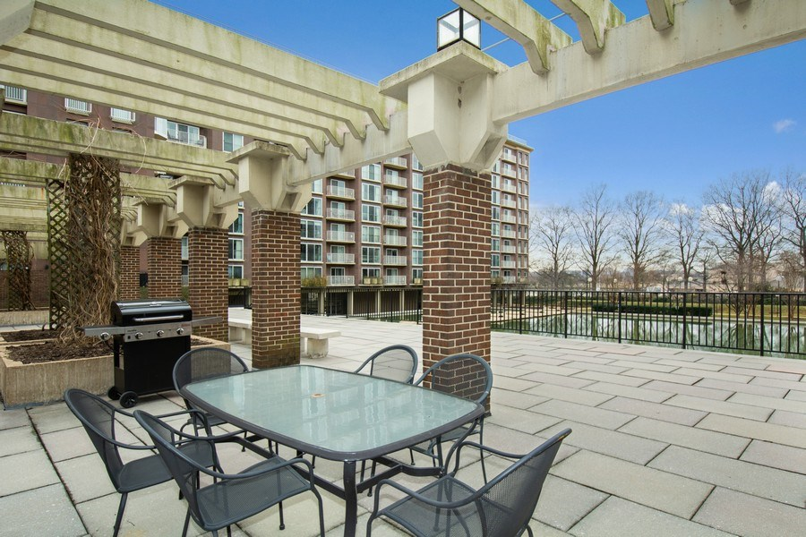 Real Estate Photography - 510 SW N St, Apt N625, Washington, DC, 20024 - Barbeque / Picnic Area