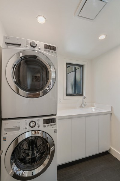 Real Estate Photography - 2045 Nassau Dr, Redwood City, CA, 94061 - Laundry Room