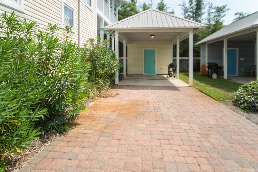 Real Estate Photography - 137 Gulfside Way, Miramar Beach, FL, 32550 - Driveway