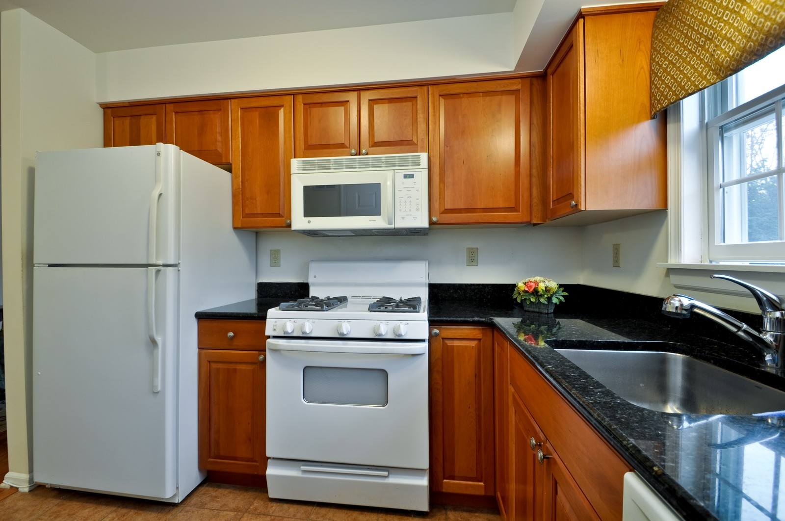 Real Estate Photography - 179 Roseland Avenue, 6, Caldwell, NJ, 07006 - Kitchen