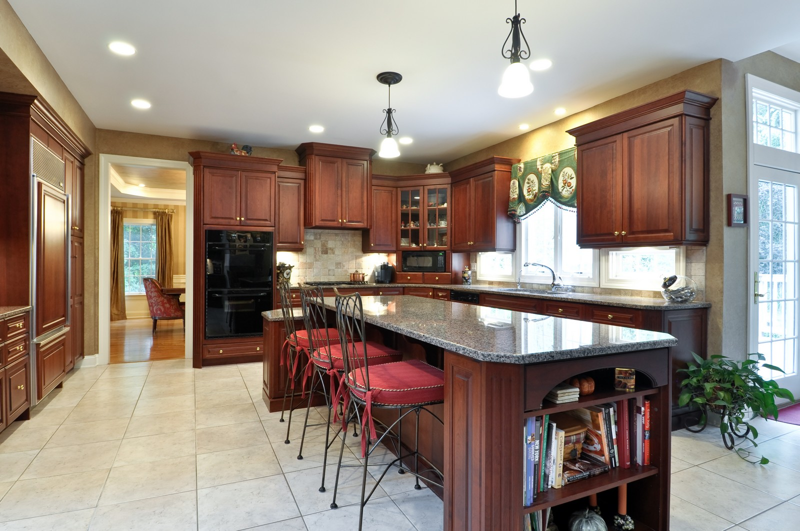 Real Estate Photography - 5 Orchard Way, Warren, NJ, 07059 - Kitchen