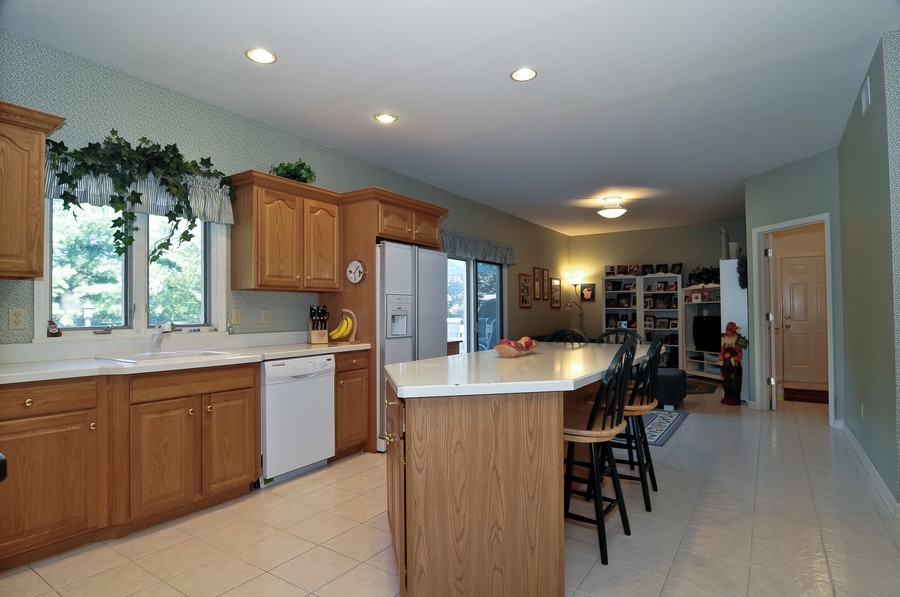 Real Estate Photography - 4 Desiree Ct, Bedminster, NJ, 07921 - Kitchen