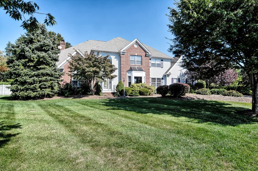 Real Estate Photography - 4 Desiree Ct, Bedminster, NJ, 07921 - Front View