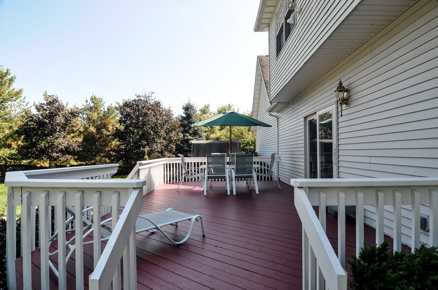 Real Estate Photography - 4 Desiree Ct, Bedminster, NJ, 07921 - Deck