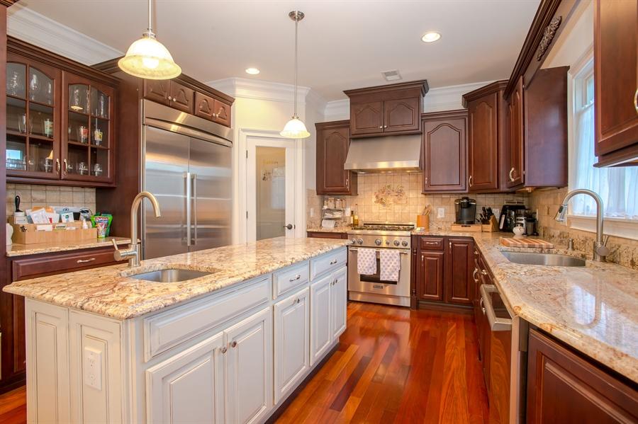 Real Estate Photography - 4 Robbie La, Mountainside, NJ, 07092 - Kitchen