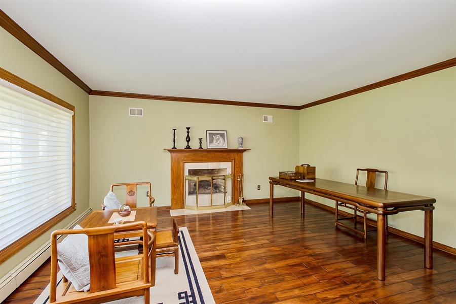 Real Estate Photography - 1066 Mayflower Ct, Martinsville, NJ, 08836 - Living Room