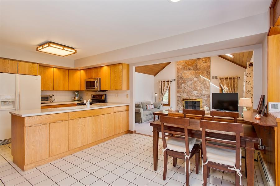 Real Estate Photography - 1066 Mayflower Ct, Martinsville, NJ, 08836 - Kitchen / Breakfast Room