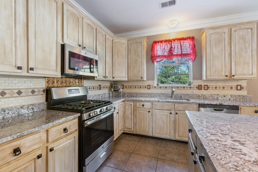 Real Estate Photography - 8 Liberty Ct, Allentown, NJ, 08501 - Kitchen