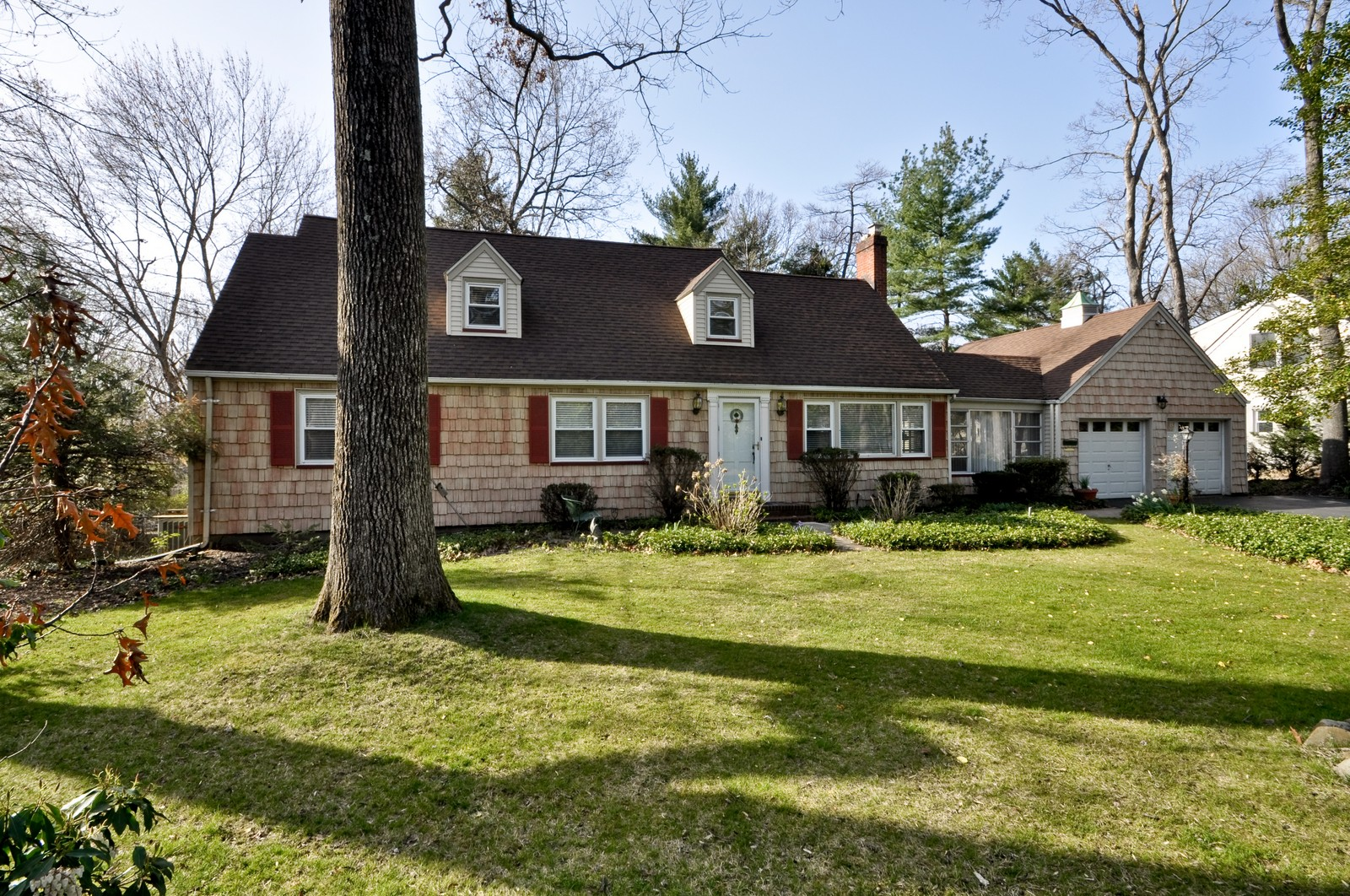 Real Estate Photography - 19 Ridge Road, Roseland, NJ, 07068 - Front View