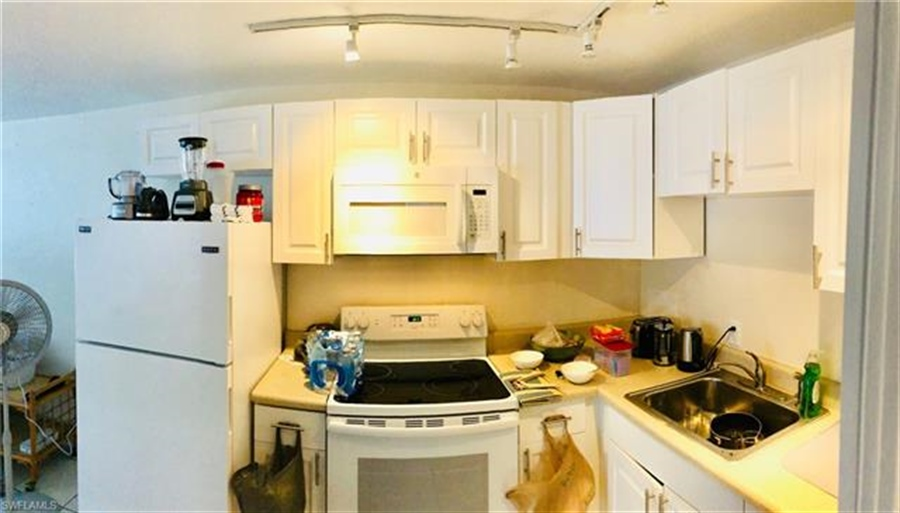 Real Estate Photography - 231 Fairweather Ln, # 231, Fort Myers Beach, FL, 33931 - Location 12