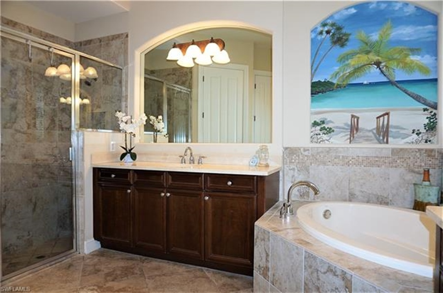 Real Estate Photography - 11836 Rosalinda Ct, # 11836, Fort Myers, FL, 33912 - Location 12