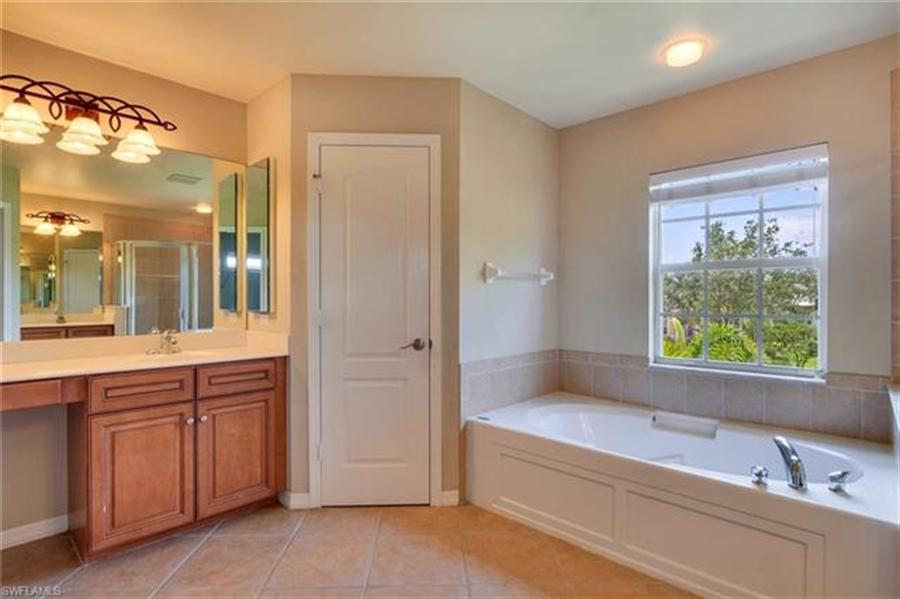 Real Estate Photography - 14787 Indigo Lakes Cir, # 14787, Naples, FL, 34119 - Location 15