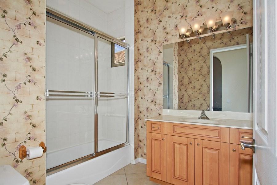 Real Estate Photography - 10691 LONGSHORE WAY EAST, NAPLES, FL, 34119 - 2nd Bath