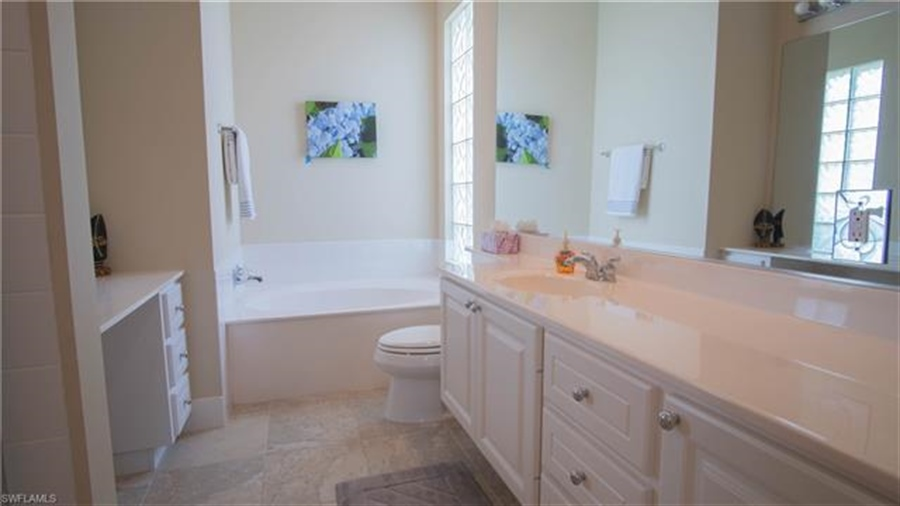 Real Estate Photography - 7303 Carducci Ct, # 7303, Naples, FL, 34114 - Location 17