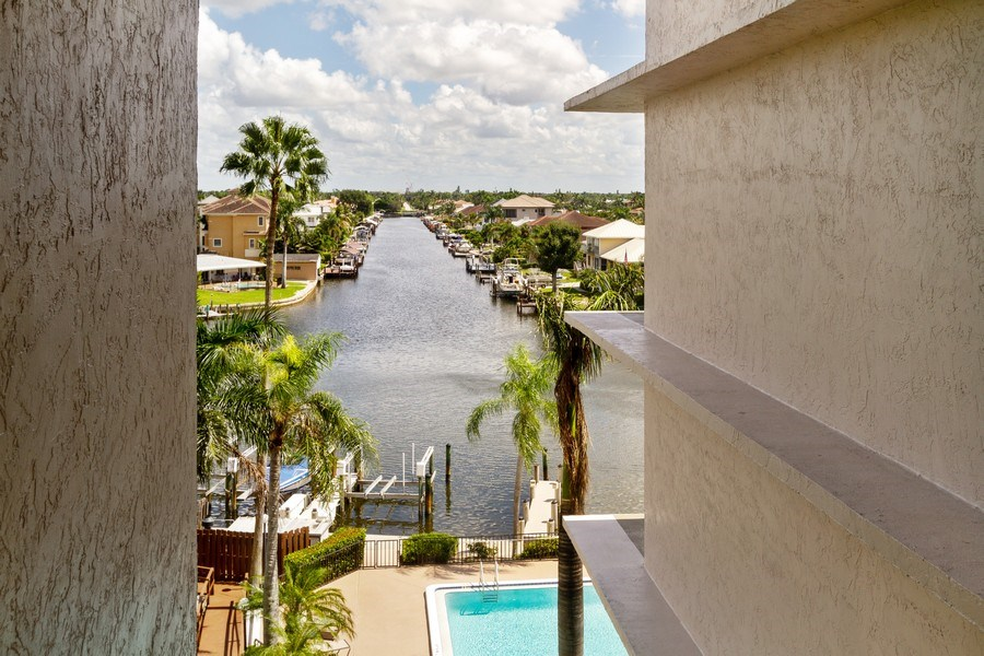 Real Estate Photography - 11030 Gulf Shore Dr, Unit 404, Naples, FL, 34108 - View