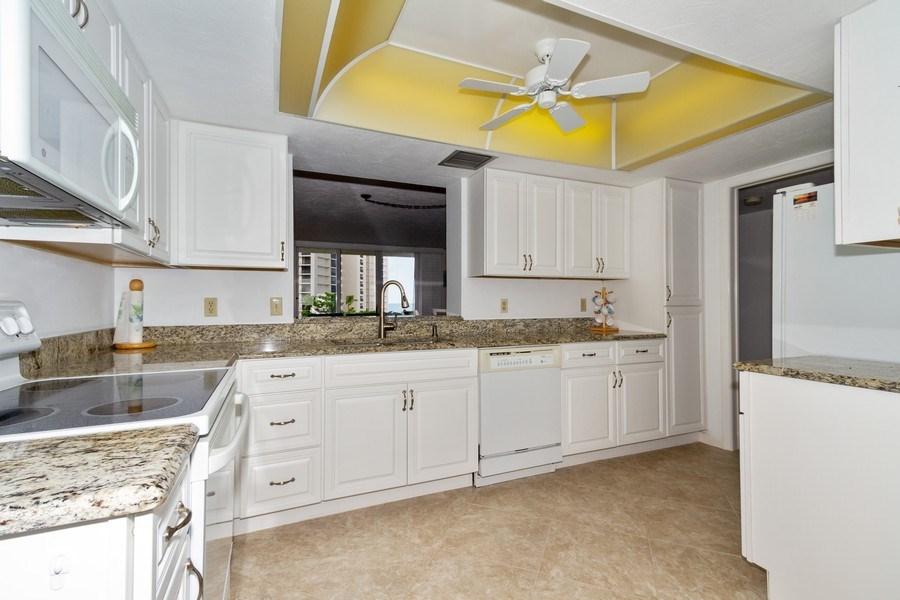 Real Estate Photography - 11030 Gulf Shore Dr, Unit 404, Naples, FL, 34108 - Kitchen