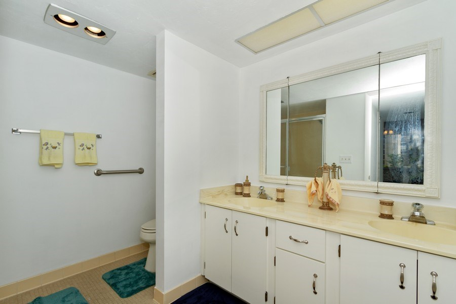 Real Estate Photography - 11030 Gulf Shore Dr, Unit 404, Naples, FL, 34108 - Bathroom