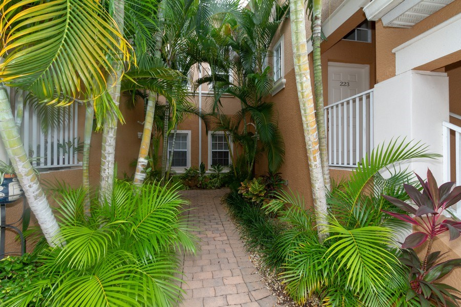Real Estate Photography - 28105 Mandolin Ct, Unit 213, Bonita Springs, FL, 34135 - Entryway
