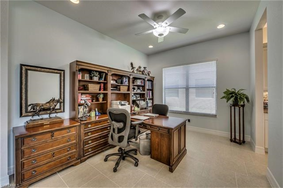 Real Estate Photography - 11512 Stonecreek CIR 11512, FORT MYERS, FL, 33913 - Location 13