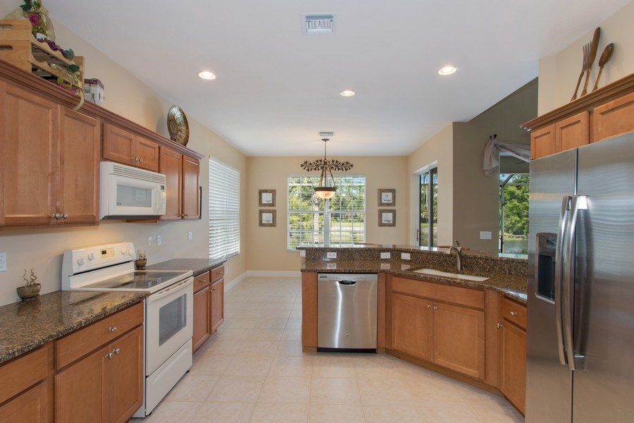 Real Estate Photography - 8904 Greenwich Hills Way, Fort Myers, FL, 33908 - Kitchen