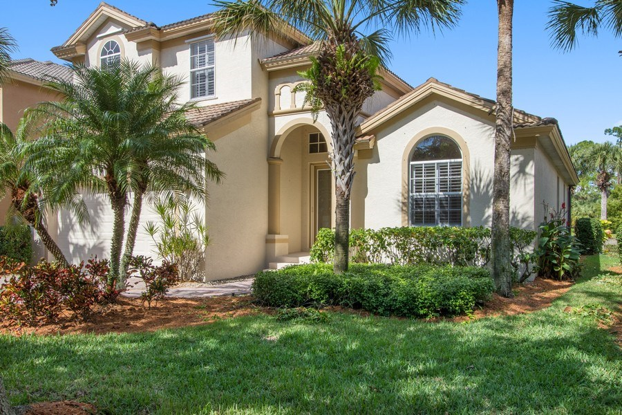 Real Estate Photography - 8904 Greenwich Hills Way, Fort Myers, FL, 33908 - Front View