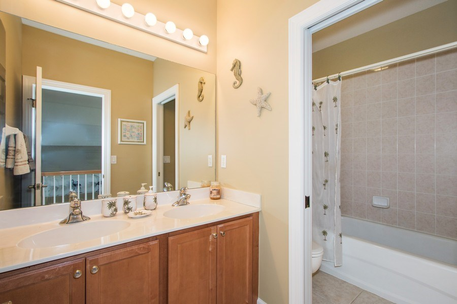Real Estate Photography - 8904 Greenwich Hills Way, Fort Myers, FL, 33908 - 2nd Bathroom