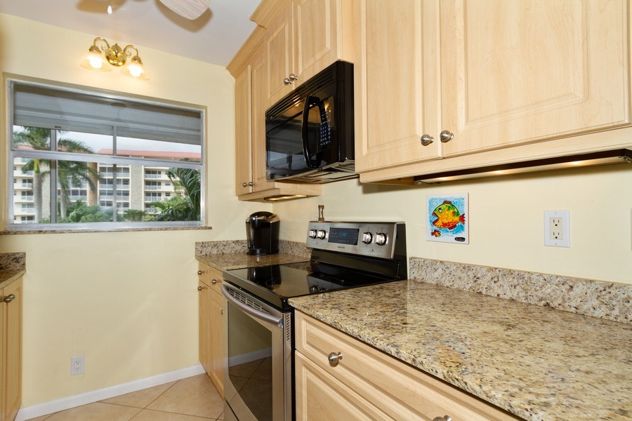 Real Estate Photography - 25740 Hickory Blvd, #D250, Bonita Springs, FL, 34134 - Kitchen