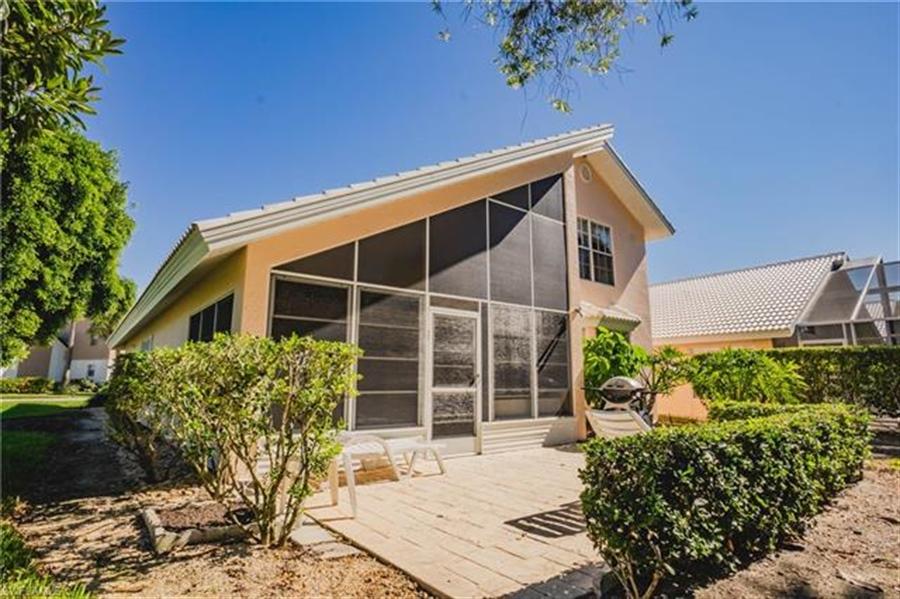 Real Estate Photography - 1531 Weybridge Cir, Naples, FL, 34110 - Location 4