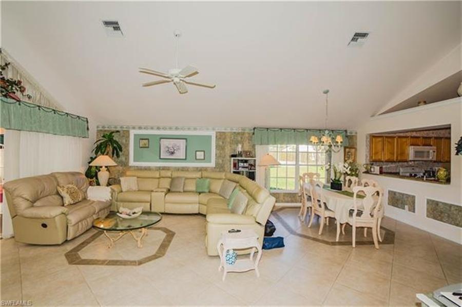 Real Estate Photography - 1531 Weybridge Cir, Naples, FL, 34110 - Location 8