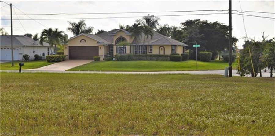 Real Estate Photography - 2803 SW 25th Ave, # 2803, Cape Coral, FL, 33914 - Location 5