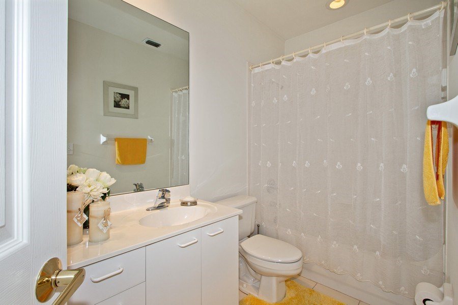 Real Estate Photography - 178 Vintage Cir, Unit 202, Naples, FL, 34119 - Bathroom