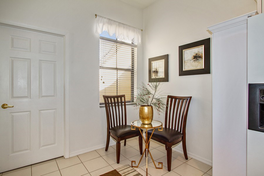 Real Estate Photography - 178 Vintage Cir, Unit 202, Naples, FL, 34119 - Breakfast Nook