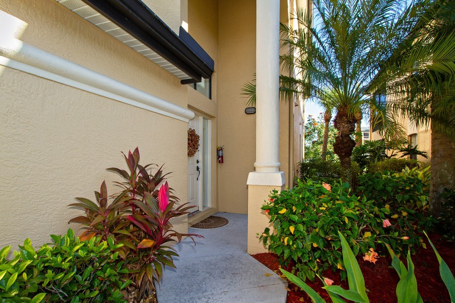 Real Estate Photography - 178 Vintage Cir, Unit 202, Naples, FL, 34119 - Entryway