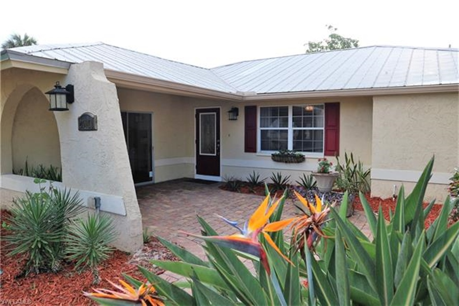 Real Estate Photography - 27171 Holly Ln, # 27171, Bonita Springs, FL, 34135 - Location 1