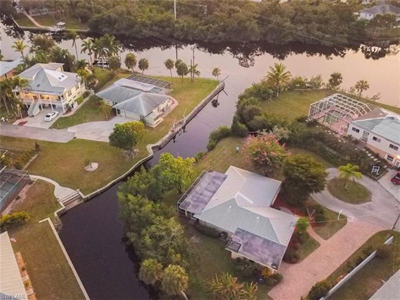 Real Estate Photography - 27171 Holly Ln, # 27171, Bonita Springs, FL, 34135 - Location 2