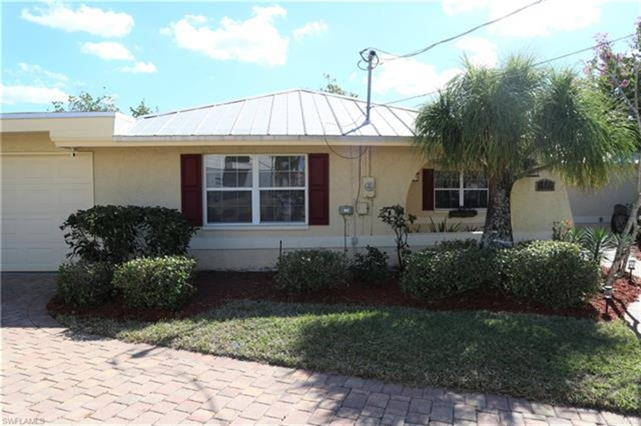 Real Estate Photography - 27171 Holly Ln, # 27171, Bonita Springs, FL, 34135 - Location 4