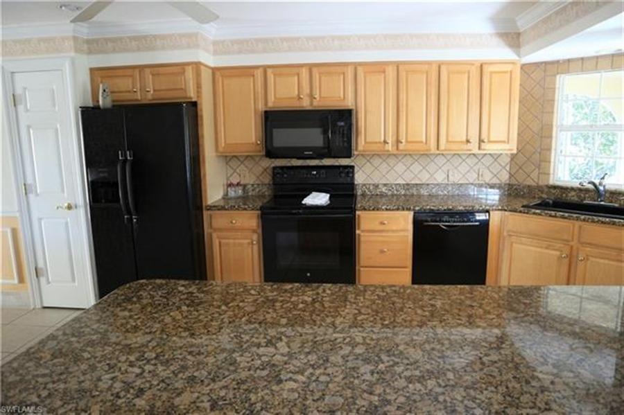 Real Estate Photography - 27171 Holly Ln, # 27171, Bonita Springs, FL, 34135 - Location 5