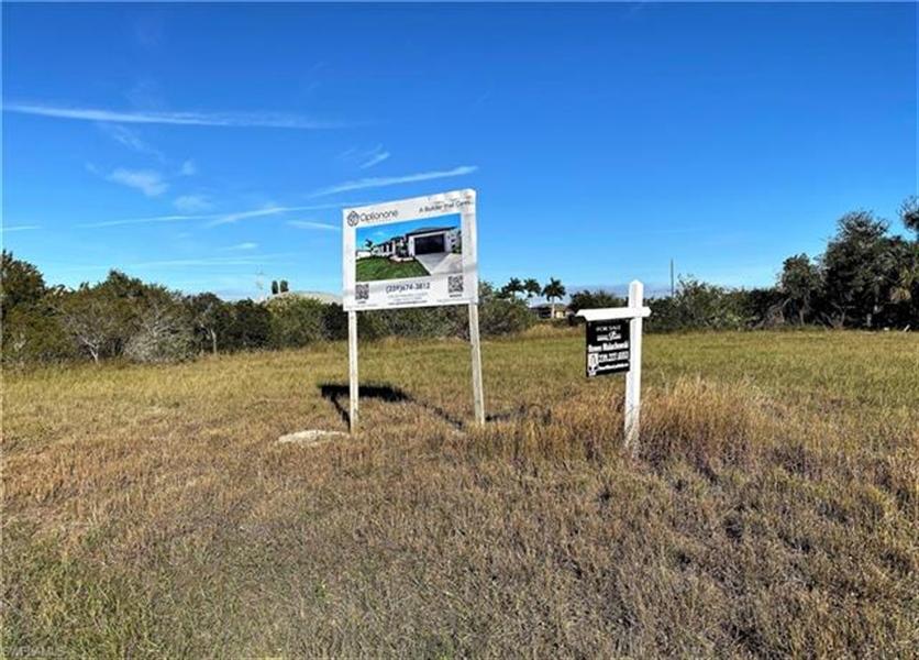 Real Estate Photography - 1505 NE 5th Pl, # 1505, Cape Coral, FL, 33909 - Location 9