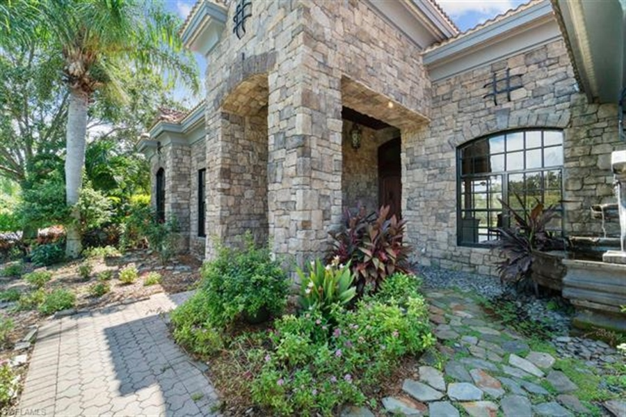 Real Estate Photography - 1168 Camelot Cir, # 1168, Naples, FL, 34119 - Location 3