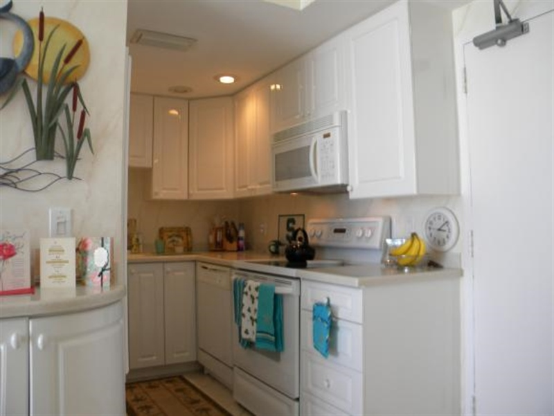 Real Estate Photography - 140, Seaview CT 703 S, MARCO ISLAND, FL, 34145 - Location 3