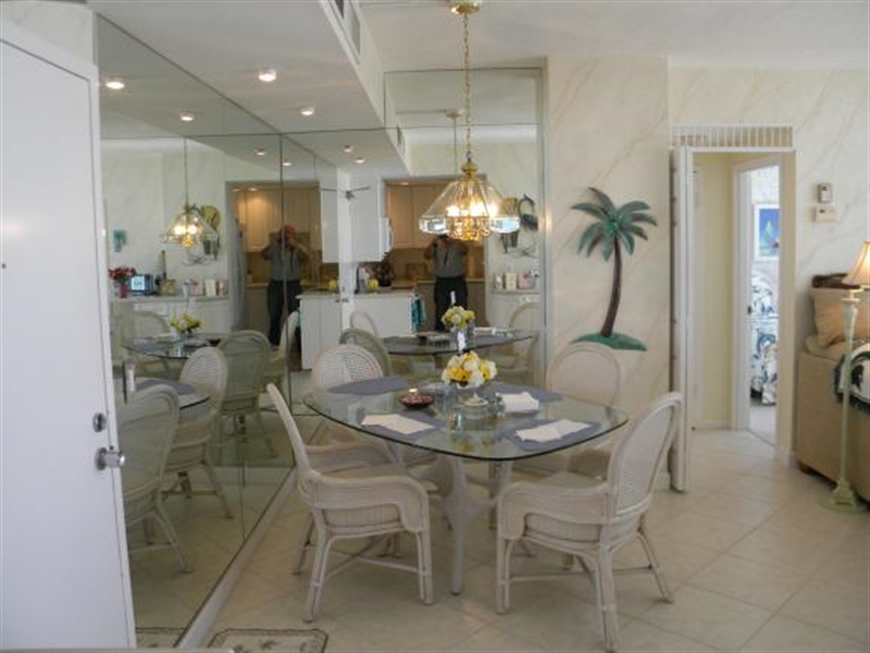Real Estate Photography - 140, Seaview CT 703 S, MARCO ISLAND, FL, 34145 - Location 6